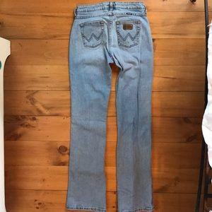 "Wrangler jeans Premium Patch Size 3/4 x 34"" inseam"